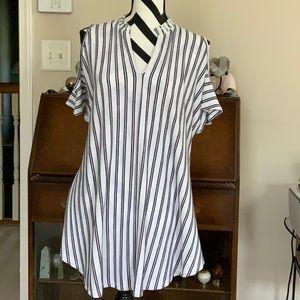 3/$12 Peekaboo Sleeve Top